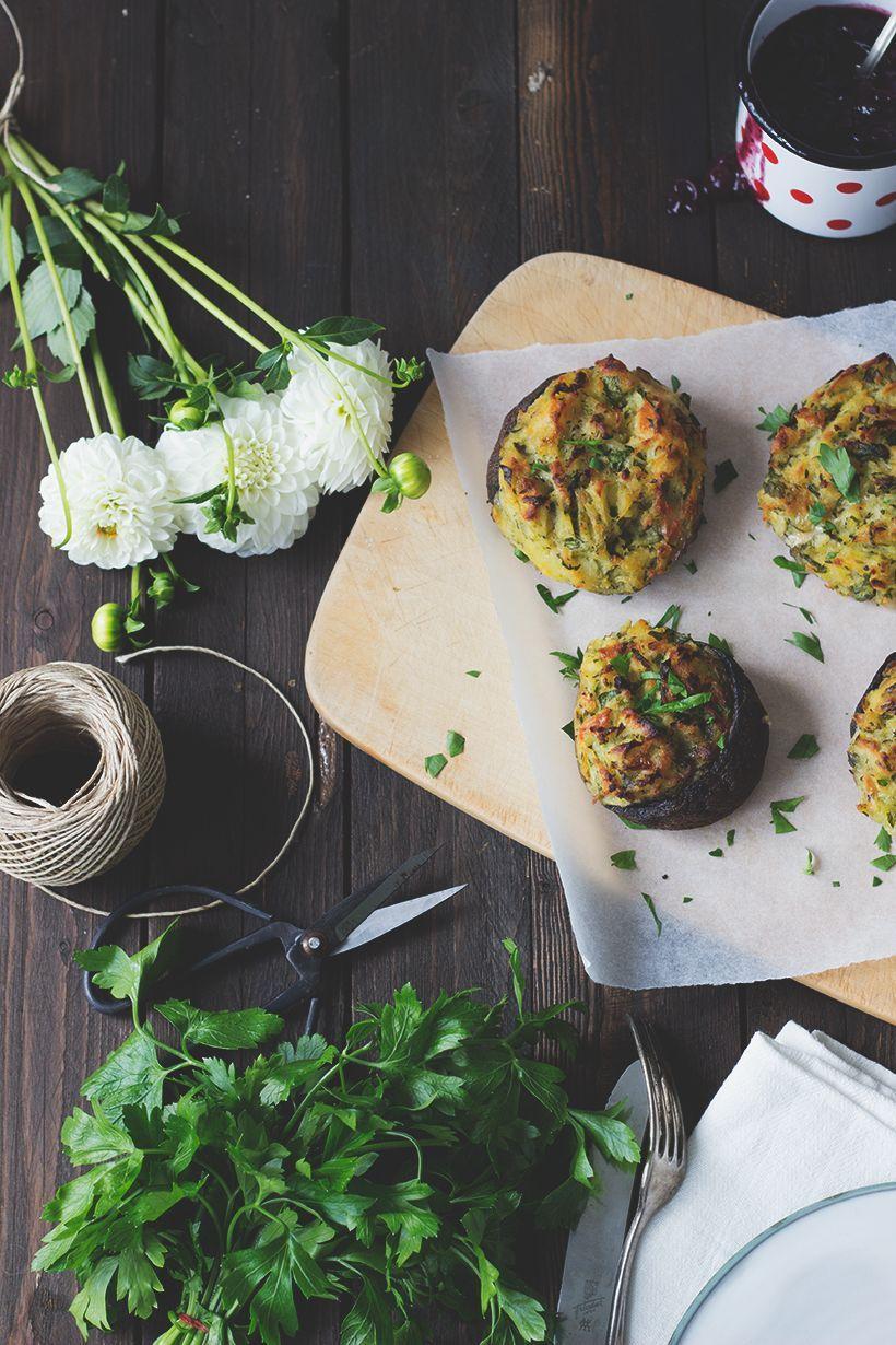 Vegan Grillen, Rezept: Gefüllte Portobello-Pilze mit Blaubeerchutney
