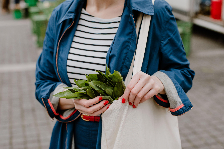 Plastikfrei einkaufen Tipps, weniger Plastik verbrauchen, Zero Waste. Foto: Julia Pommerenke