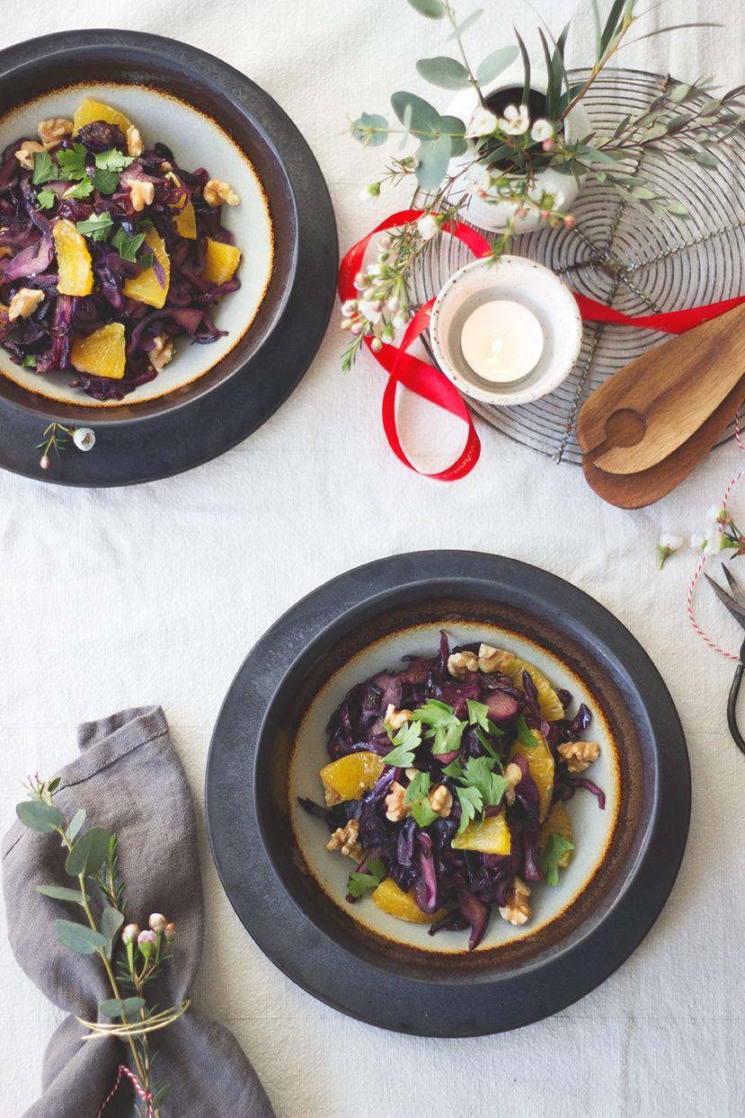 Lauwarmer Rotkohlsalat mit Orange und Walnüssen. Vorspeise vegan und glutenfrei