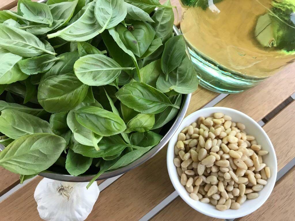 Zutaten für leckeres Pesto
