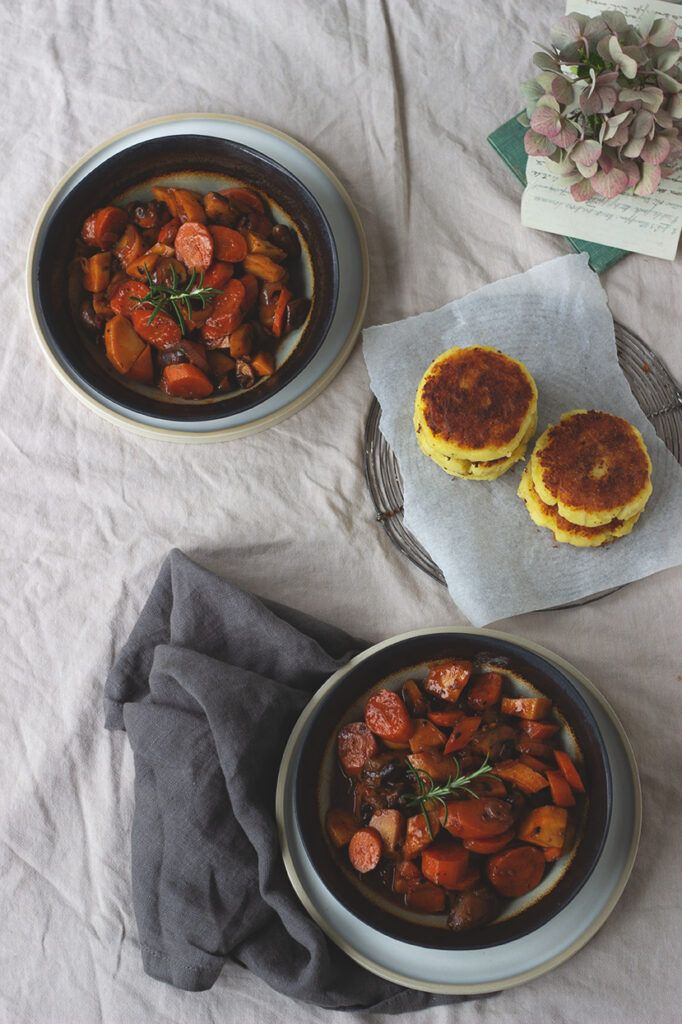 Würziges Gemüse-Ragout mit Kartoffelplätzchen